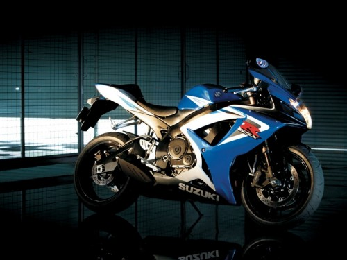 Suzuki GSX R750 wallpapers